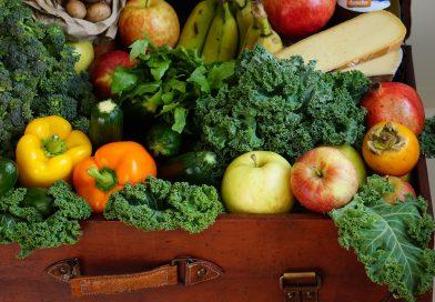 Fructe şi legume direct de la producători, în Piaţa de la Dezmir