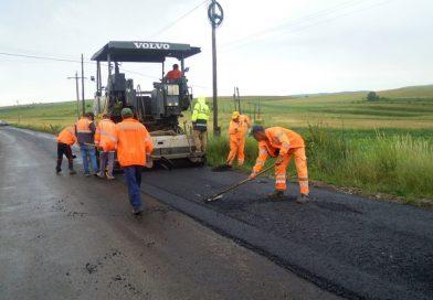 A demarat etapa de asfaltare pe drumul judeţean DJ 108C (DN 1)