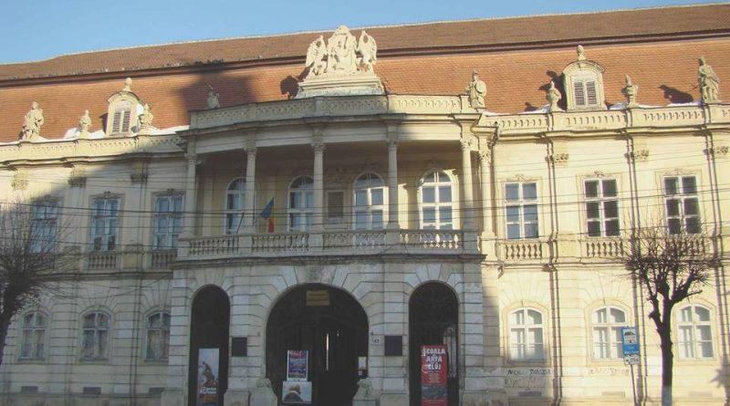 Lucrări de reabilitare a faţadei Muzeului de Artă Cluj, clădire monument istoric