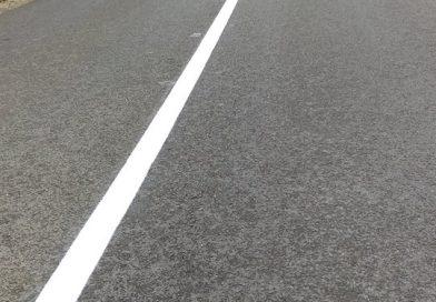 Lucrări de marcaje rutiere, executate pe drumuri judeţene recent asfaltate