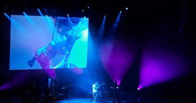 """""""Violonistul Diavolului"""", celebrul David Garrett, a oferit la Bucureşti o seară plină de virtuozitate și emoţie"""