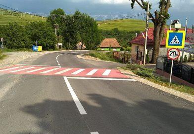 Lucrări de marcaje rutiere au fost executate pe DJ 107R – DJ 107L