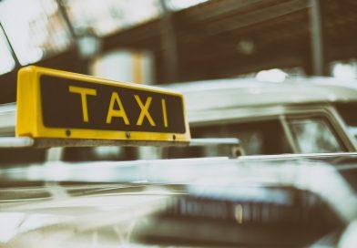 Taximetrele vor fi dotate cu POS și vor avea minim Euro 5