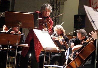 "Johann Strauss Ensemble în turneu național, cu ""Vienna Crystal Christmas"""