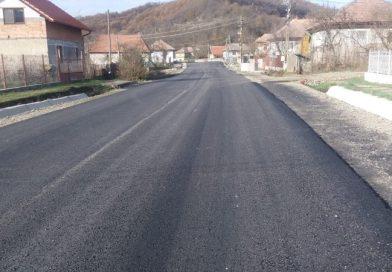Lucrări de asfaltare pe Lotul 2 al Drumului Bistriței