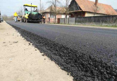 Lucrări de asfaltare au demarat pe drumul judeţean 161 (DN 1C)