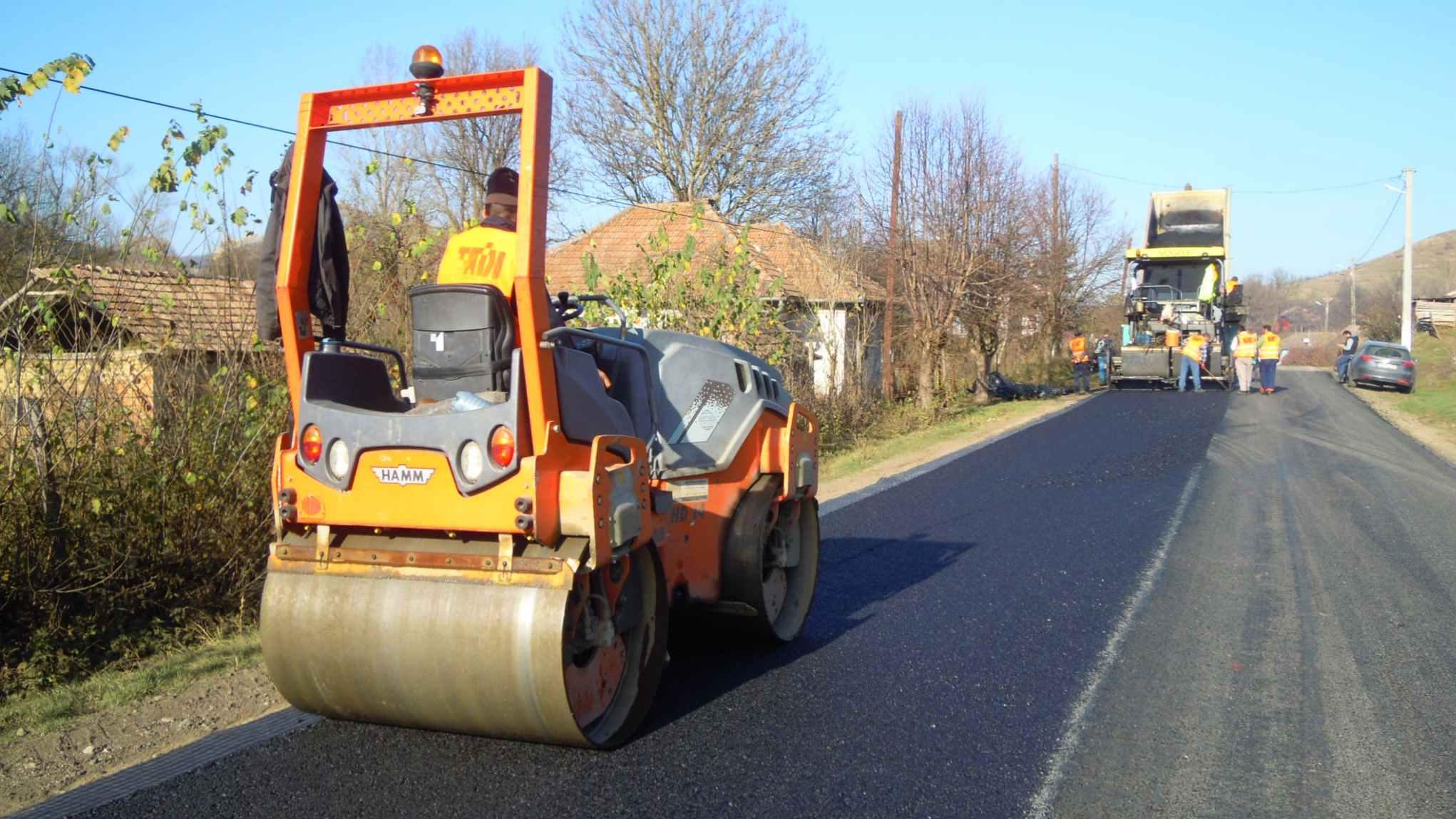 Autoritățile promit demararea unor lucrări pe o serie de drumuri județene