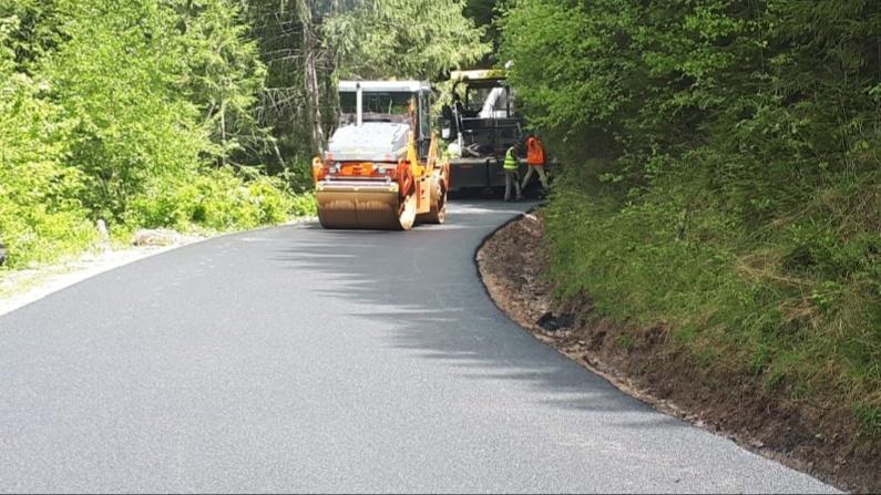 Sectorul de drum Măguri – Măguri Răcătău a fost asfaltat